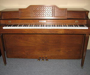 Baldwin Spinet with matching bench