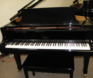 Weber 5ft 2in Legend Series Baby Grand